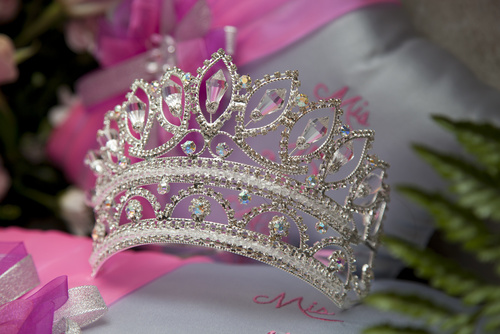 Quinceaos crown